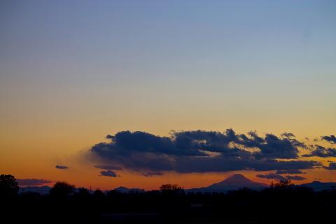 世界遺産登録された富士山を活かすには交通網の発展が不可欠です。