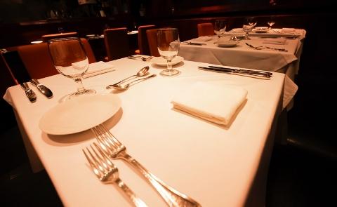 例えばレストランではサービスにどれほど価値を感じてもらえるかが勝負です。