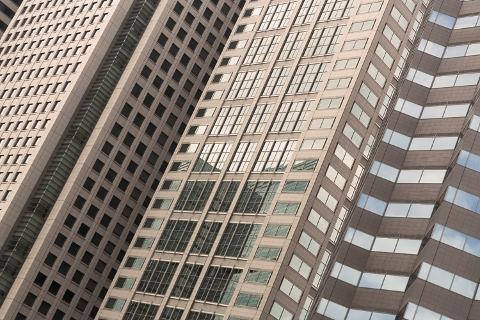 こんな大きな建物はいったいいくらの税金を支払っているのでしょうか。