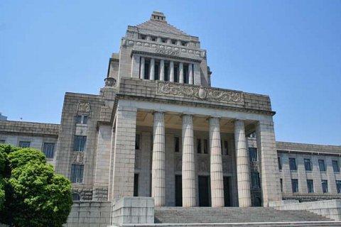 日本人がもっと政治に興味を持てば、いい世の中になると思うのですが。