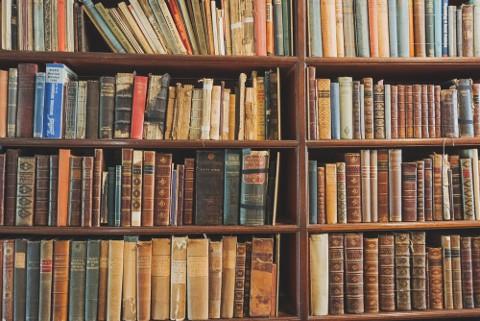 誰が書いた本であるかは極めて重要です。