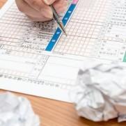 毎年何かしらの増税がされていて厳しい年収帯が1000万円~1500万円です。