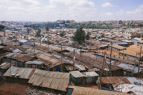 貧困とは生存権すら確保できないのが最大の問題