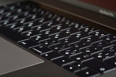 今時パソコン一台あれば副業は始められます。