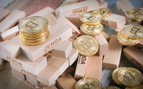 ビットコインもバブルが崩壊中ですね